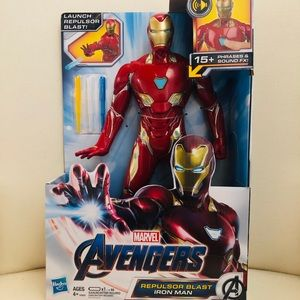 IRON MAN ACTION FIGURE BRAND NEW!